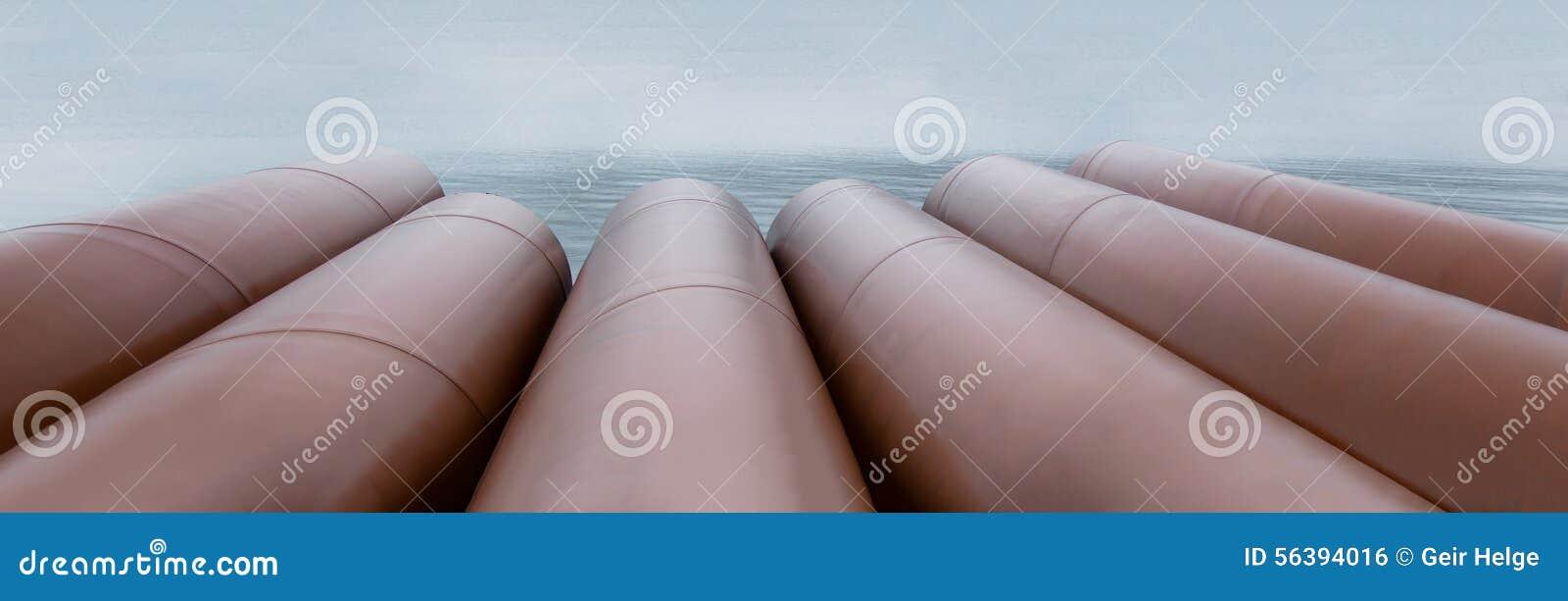 Tubi del metallo con ruggine