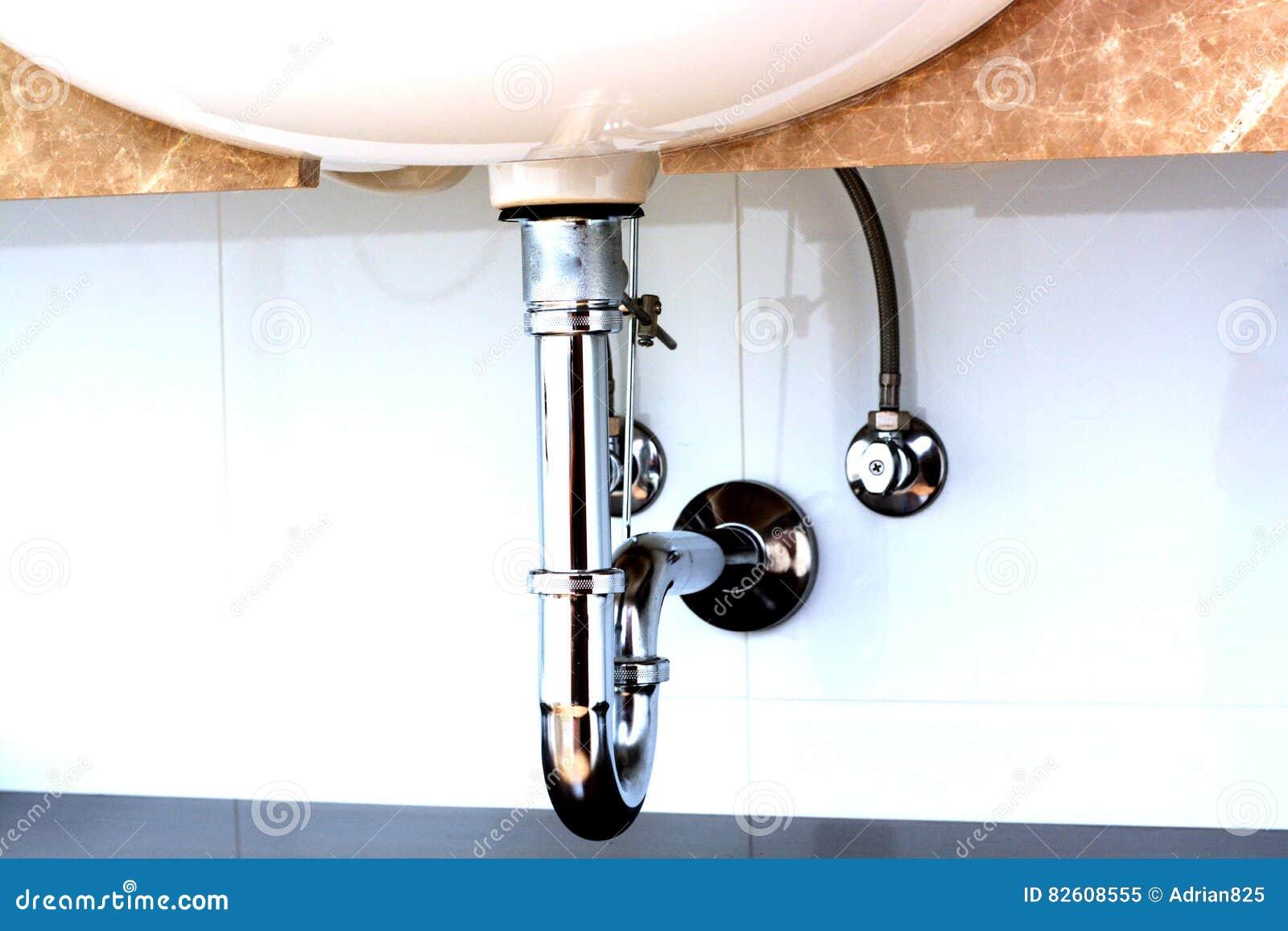 Tubo Scarico Lavandino Bagno tubo di scarico del lavandino in un bagno immagine stock