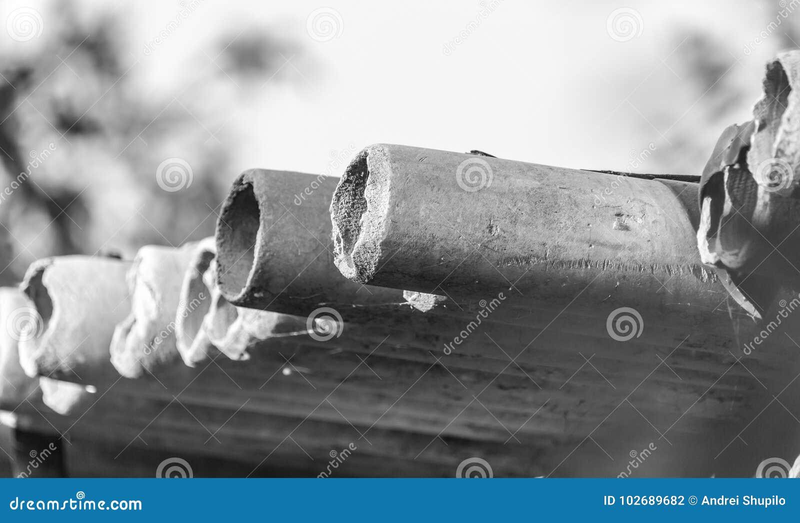 Tubulações do cimento de asbesto