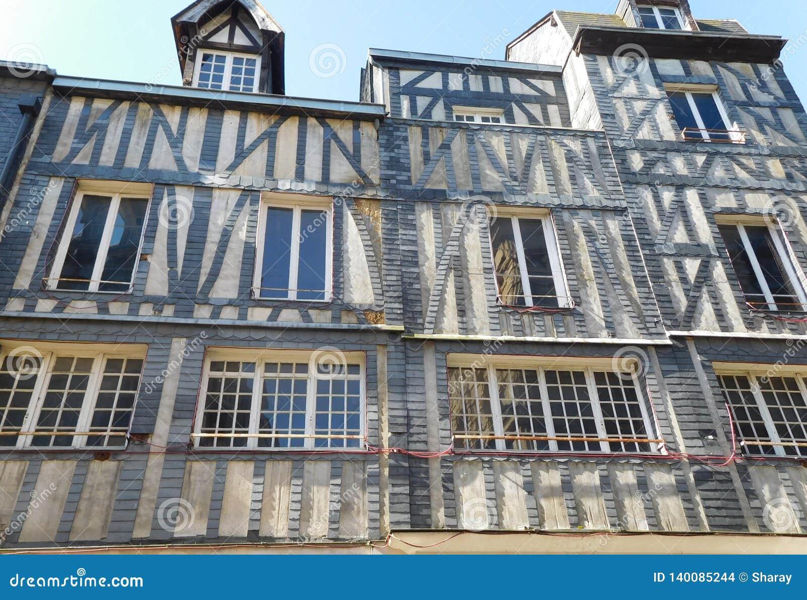 Tudor Architectural-stijl van Huis in Rouen Frankrijk