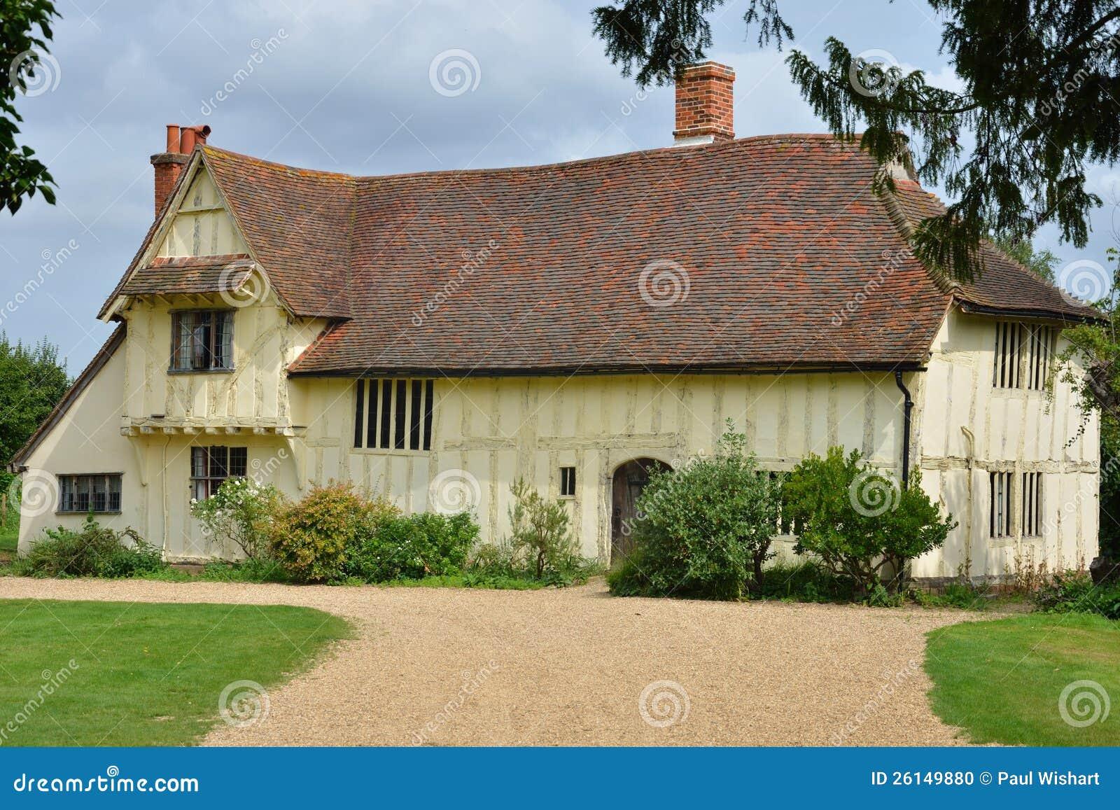 Tudor farmhose