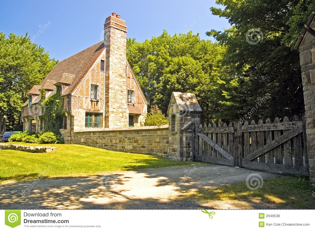 tudor style cottage royalty free stock photos image 2949538