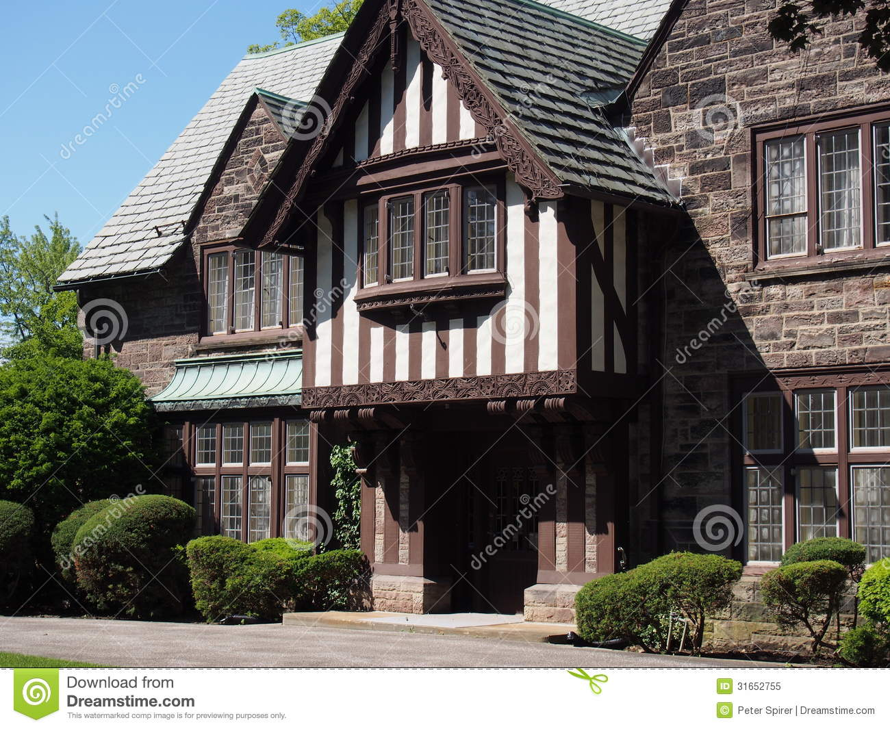 Download Tudor Style House .