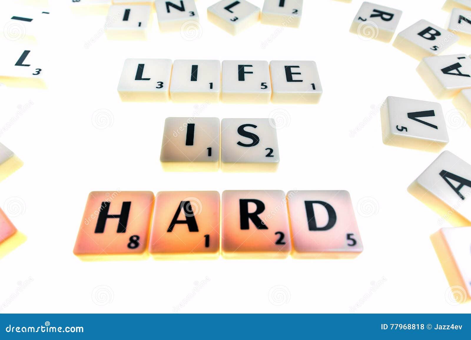 Tuiles avec des lettres formant des mots ou frases photo stock image 77968818 for Ou trouver des tuiles