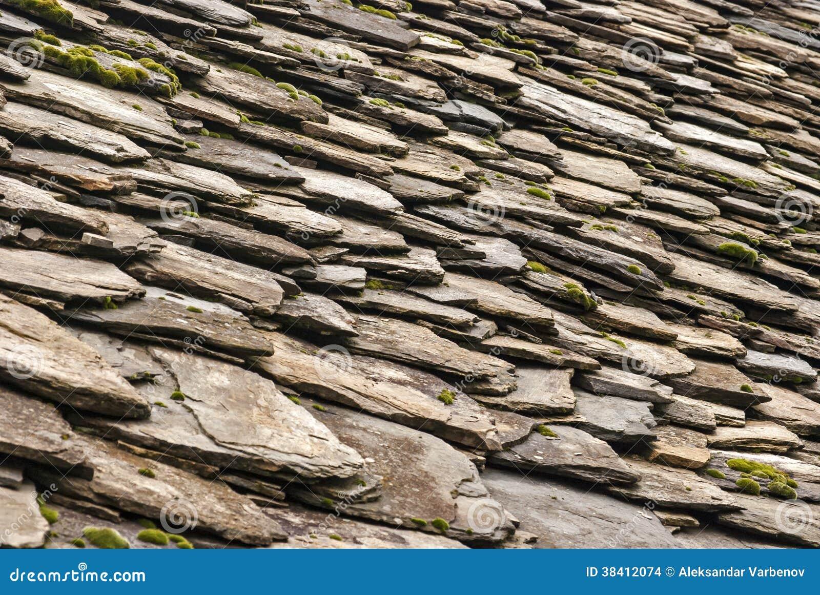 tuiles en pierre de maison d 39 ardoise toit photo stock image du village detail 38412074. Black Bedroom Furniture Sets. Home Design Ideas