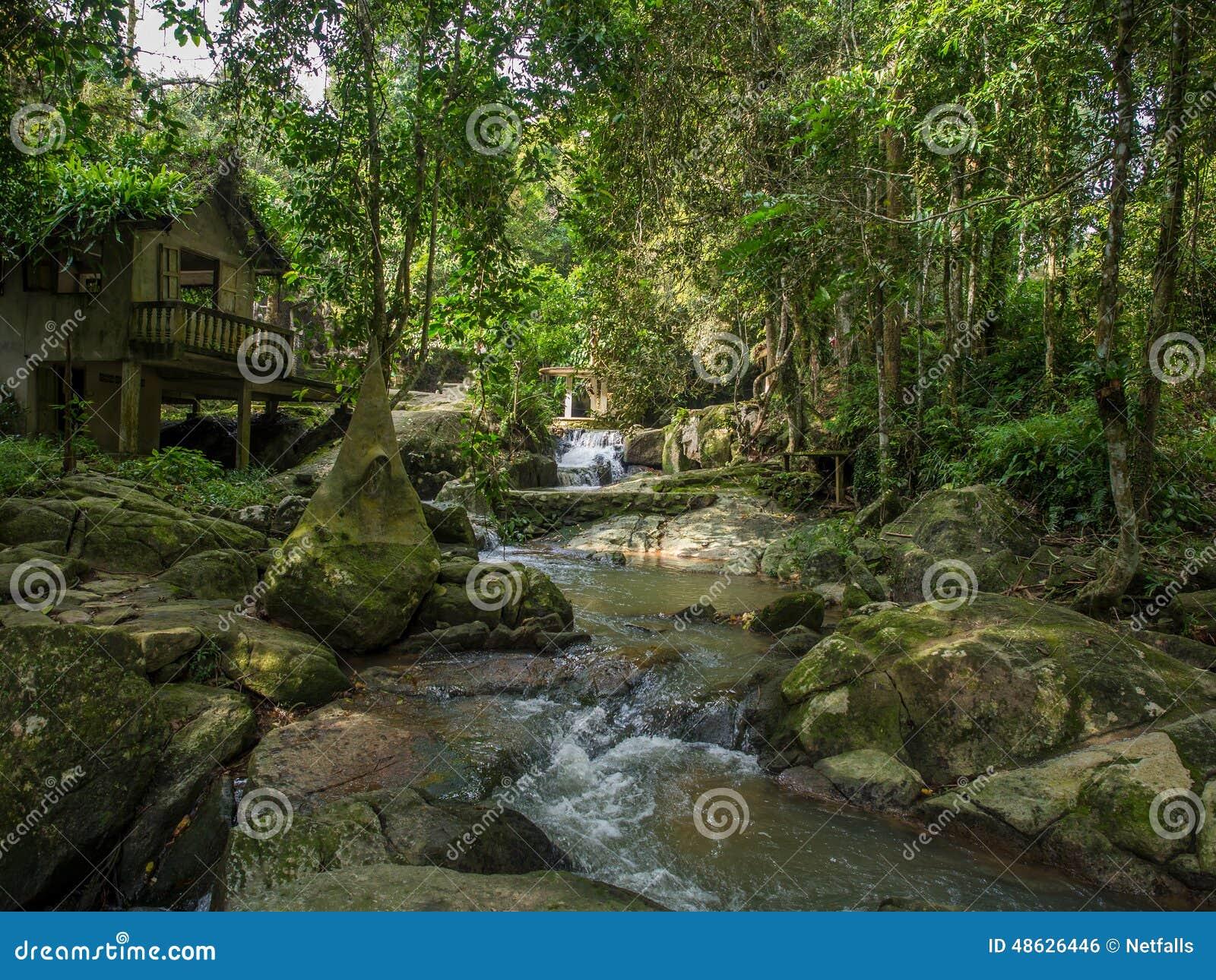 De Magische Tuin : Tuin van tanim de magische boedha koh samui eiland stock foto