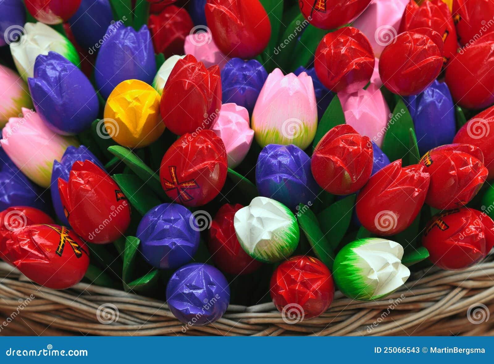 Tulipani di legno olandesi del ricordo fotografie stock for Tulipani arancioni