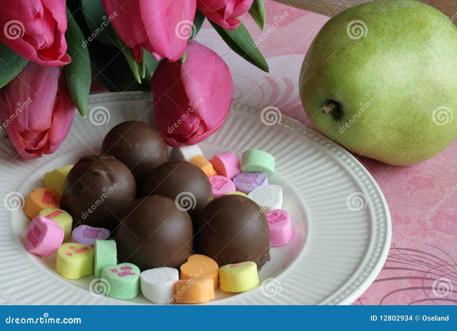 Tulips, doces e fruta