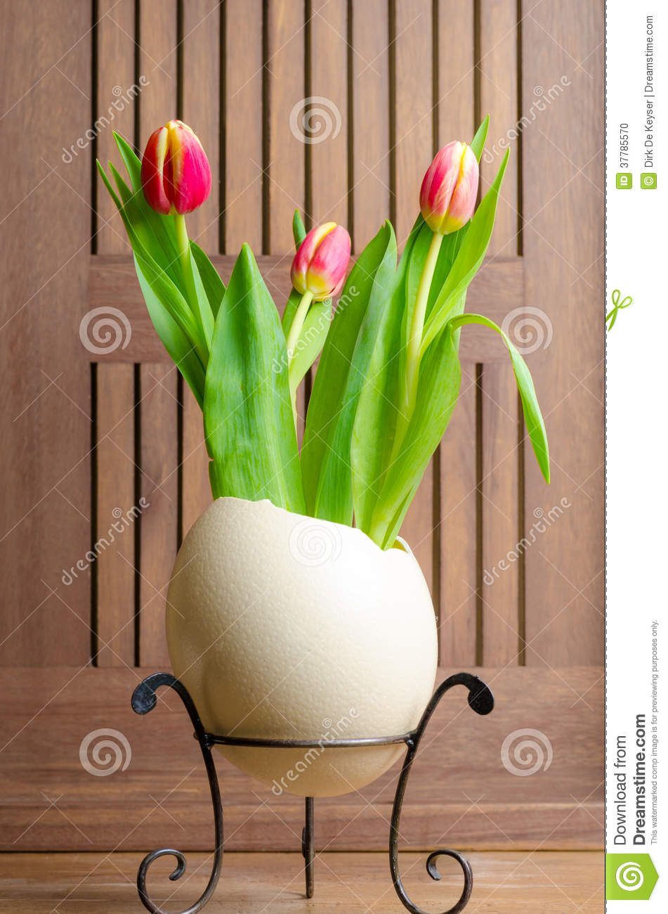 Tulips and easter egg