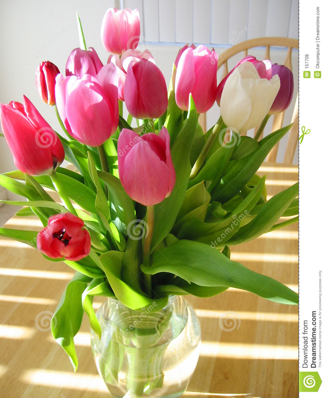 how to set tulips in a vase