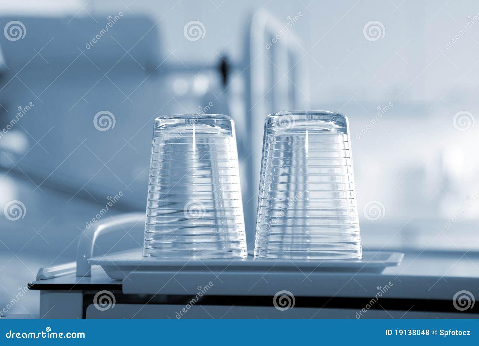 Tumbler de vidro vazio
