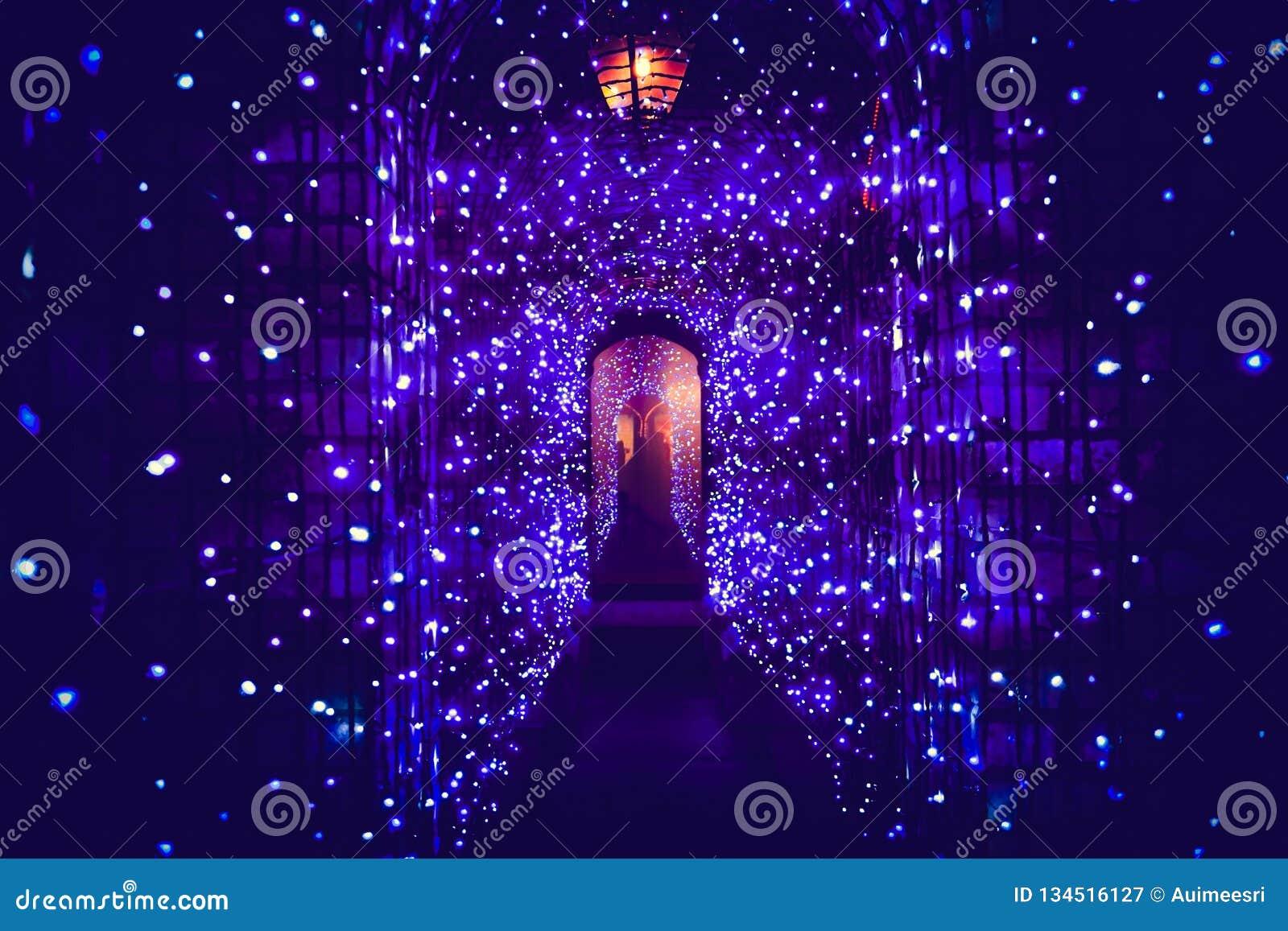 Tunelu światło w święto bożęgo narodzenia