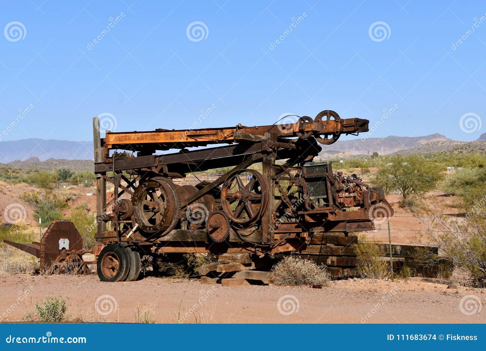 Tung utrustning för utdragning av mineraler, i att bryta