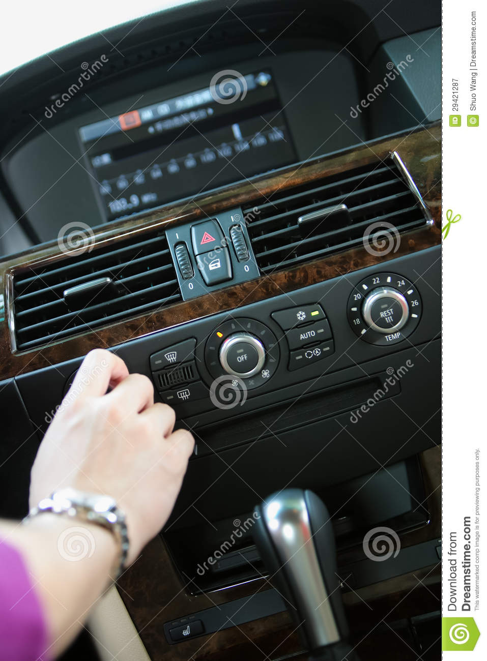 Tuning Radio in car