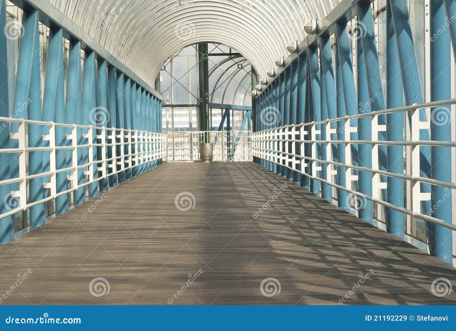 Tunnel voor voetganger stock afbeelding afbeelding bestaande uit stad 21192229 - Kleur schilderij gang ingang ...