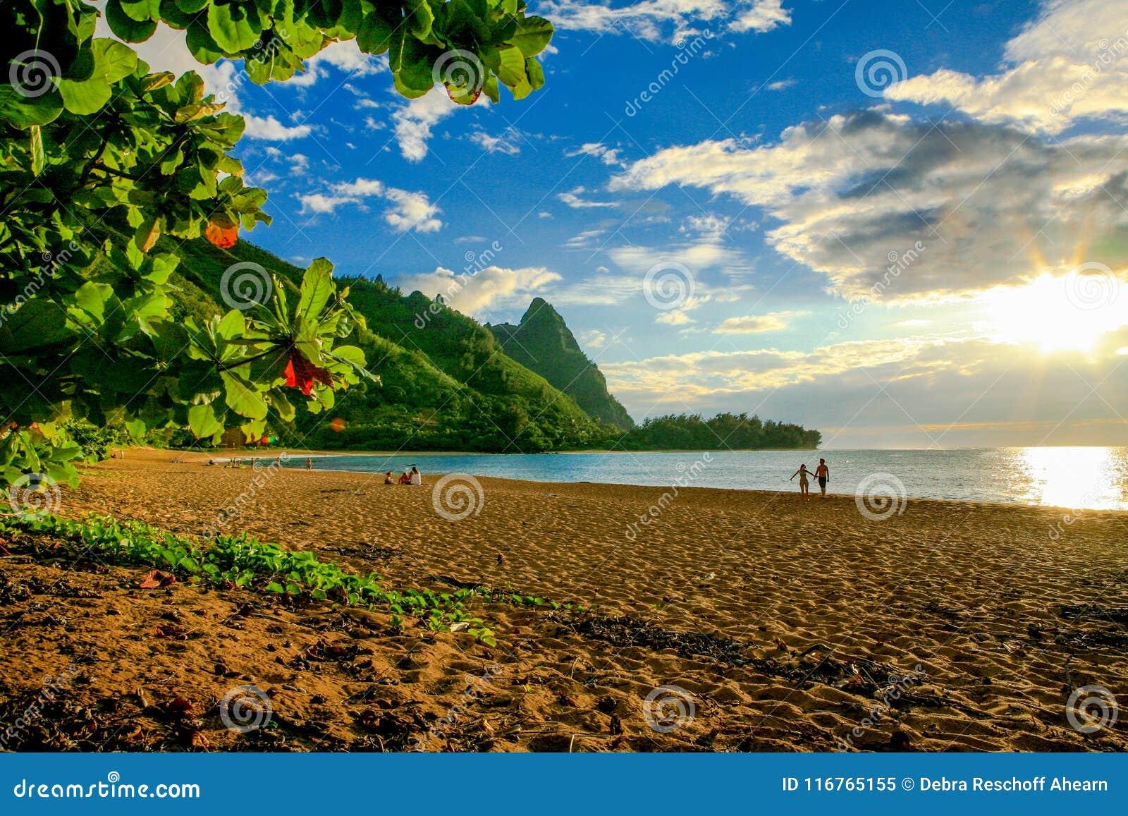 Where Is Bali Hai Island tunnels beach, with makana mountain or bali hai editorial