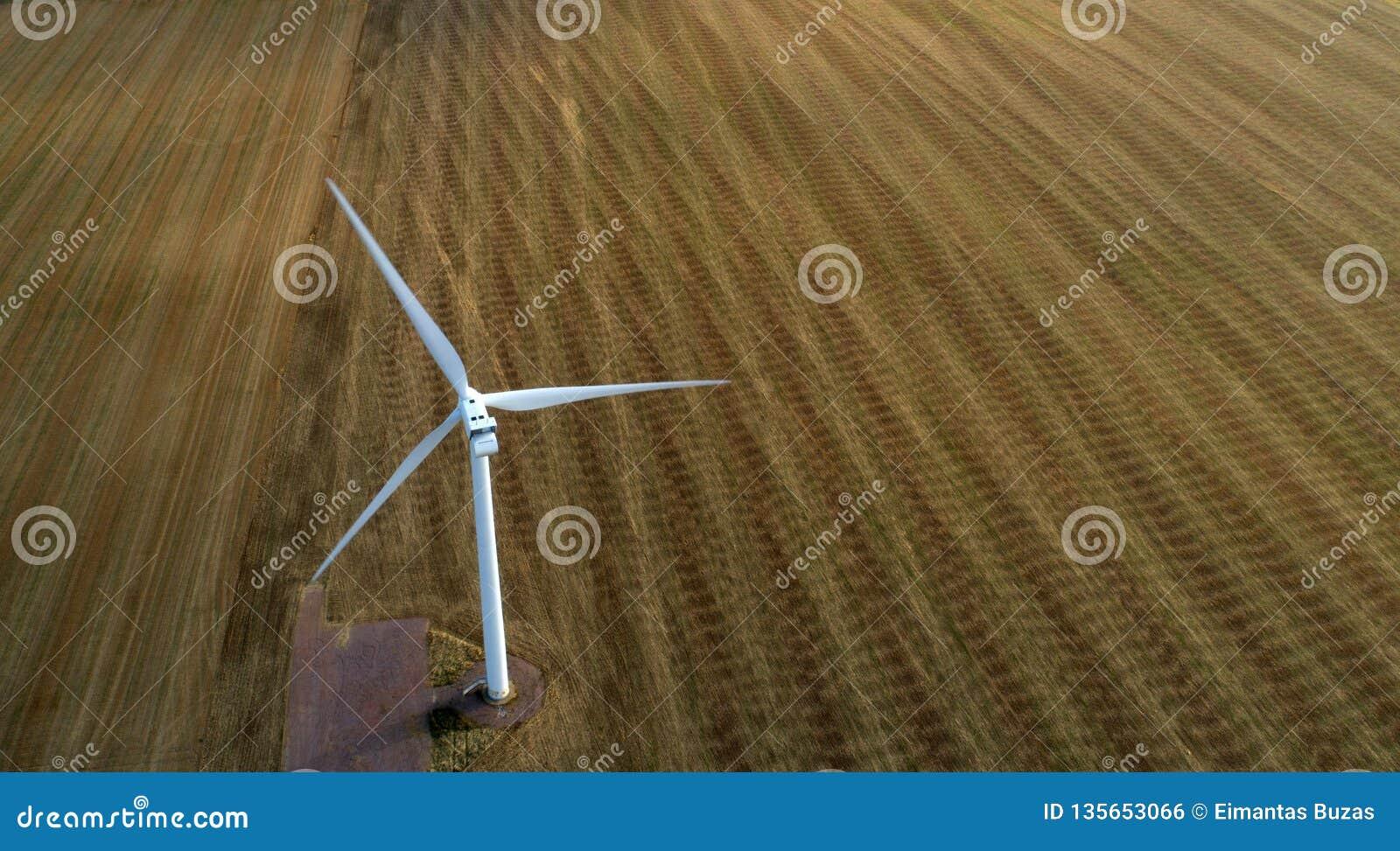 Turbina de vento no movimento