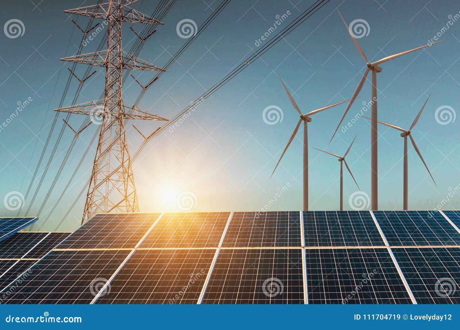 Turbina eólica com painéis solares e alta tensão da eletricidade Co