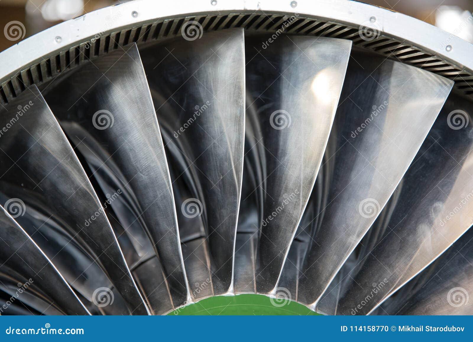 Turbinblad av turboladdarejetmotorn för nivån, flygplanbegrepp i flygbransch