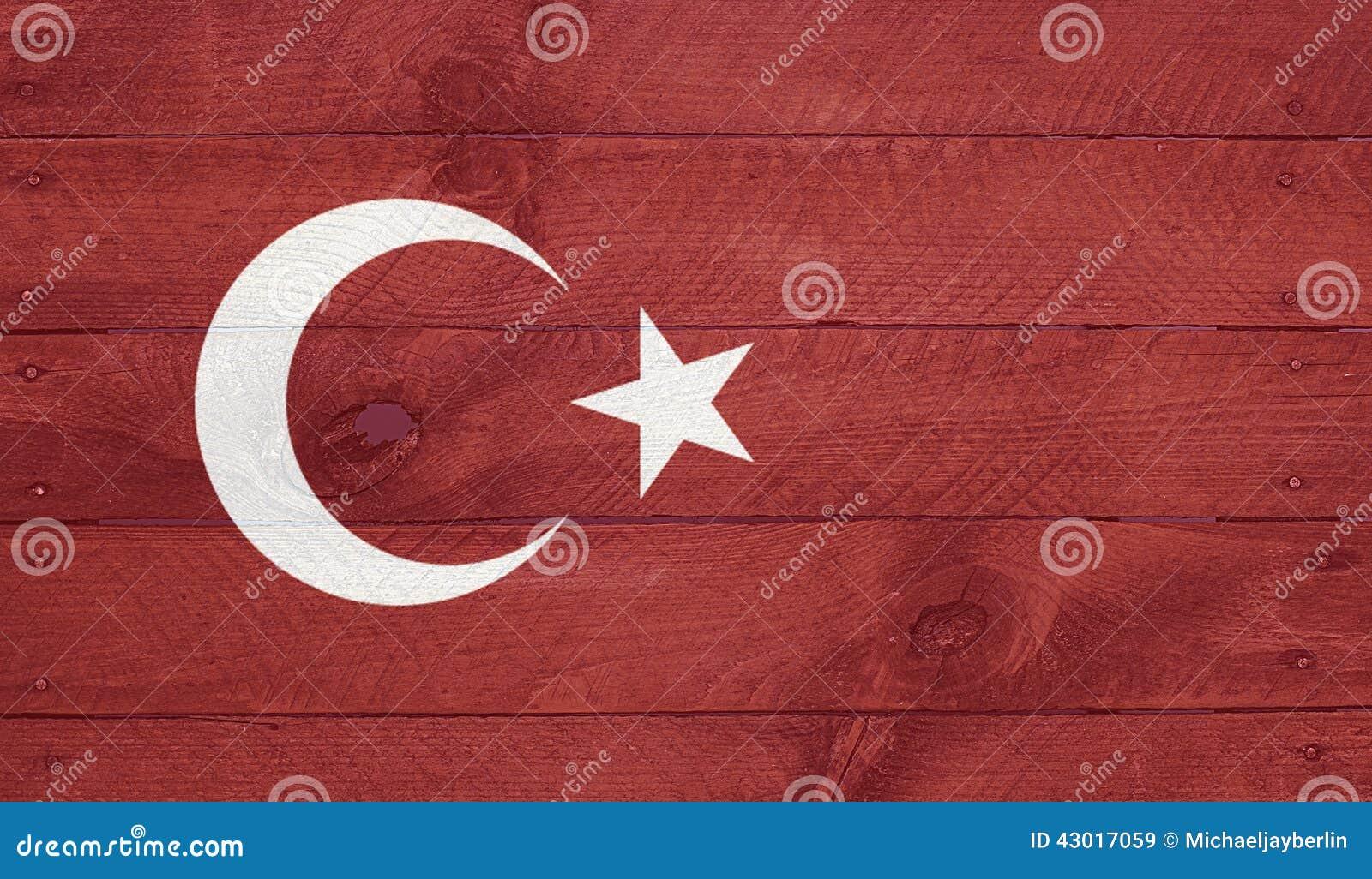 Turcja flaga na drewno deskach z gwoździami