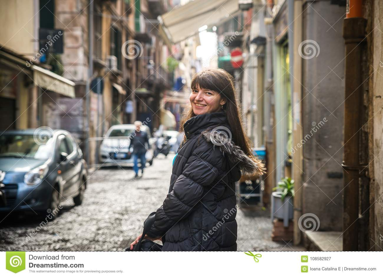 Turist- flicka i Naples