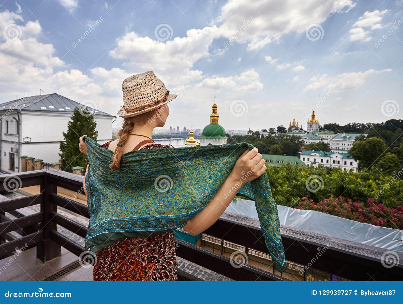 Turista en Kiev Pechersk Lavra