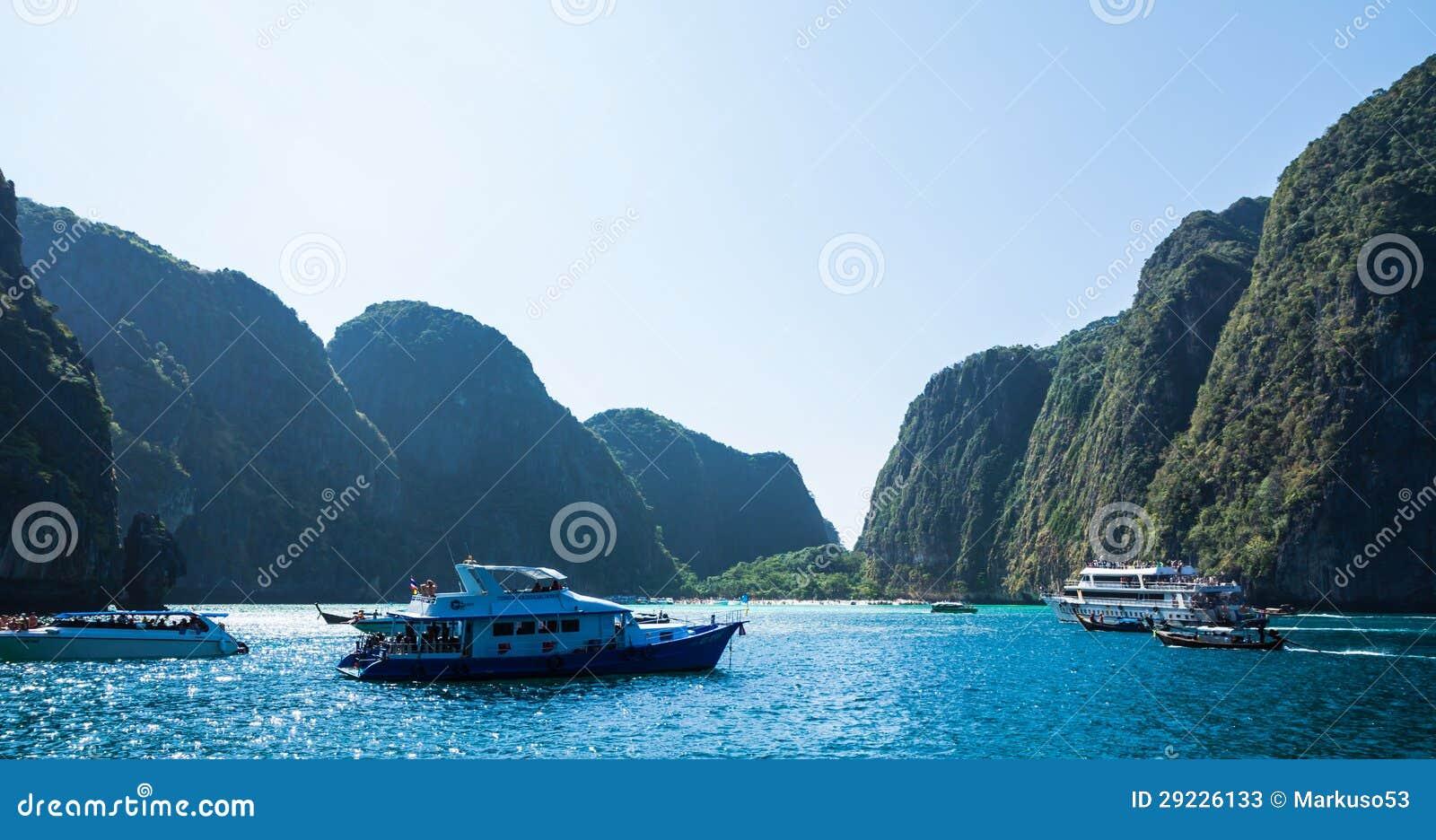 Download Turista no louro do Maya foto de stock editorial. Imagem de verde - 29226133