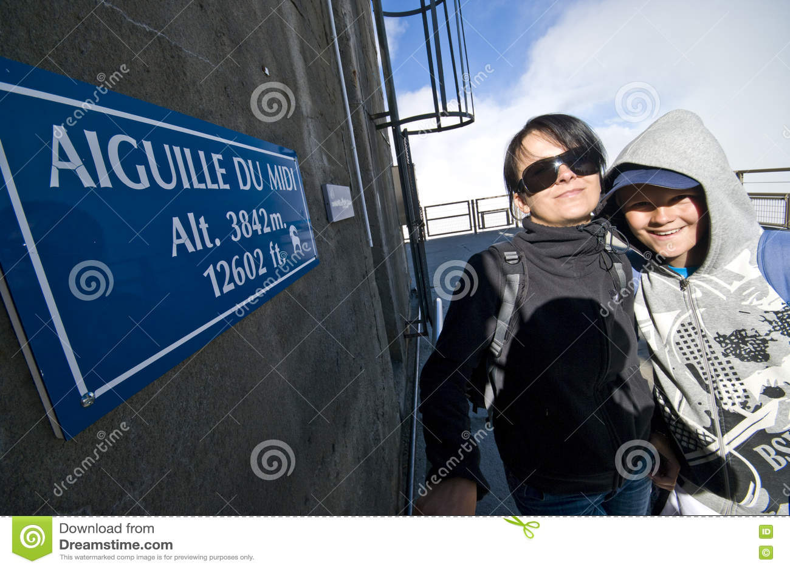 Turistas em Aiguille du Midi, França