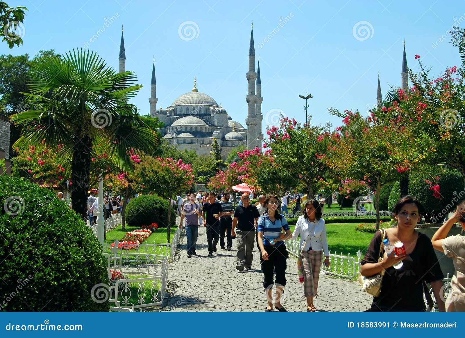 Turistas en estambul turqu a foto editorial imagen for Oficina de turismo estambul