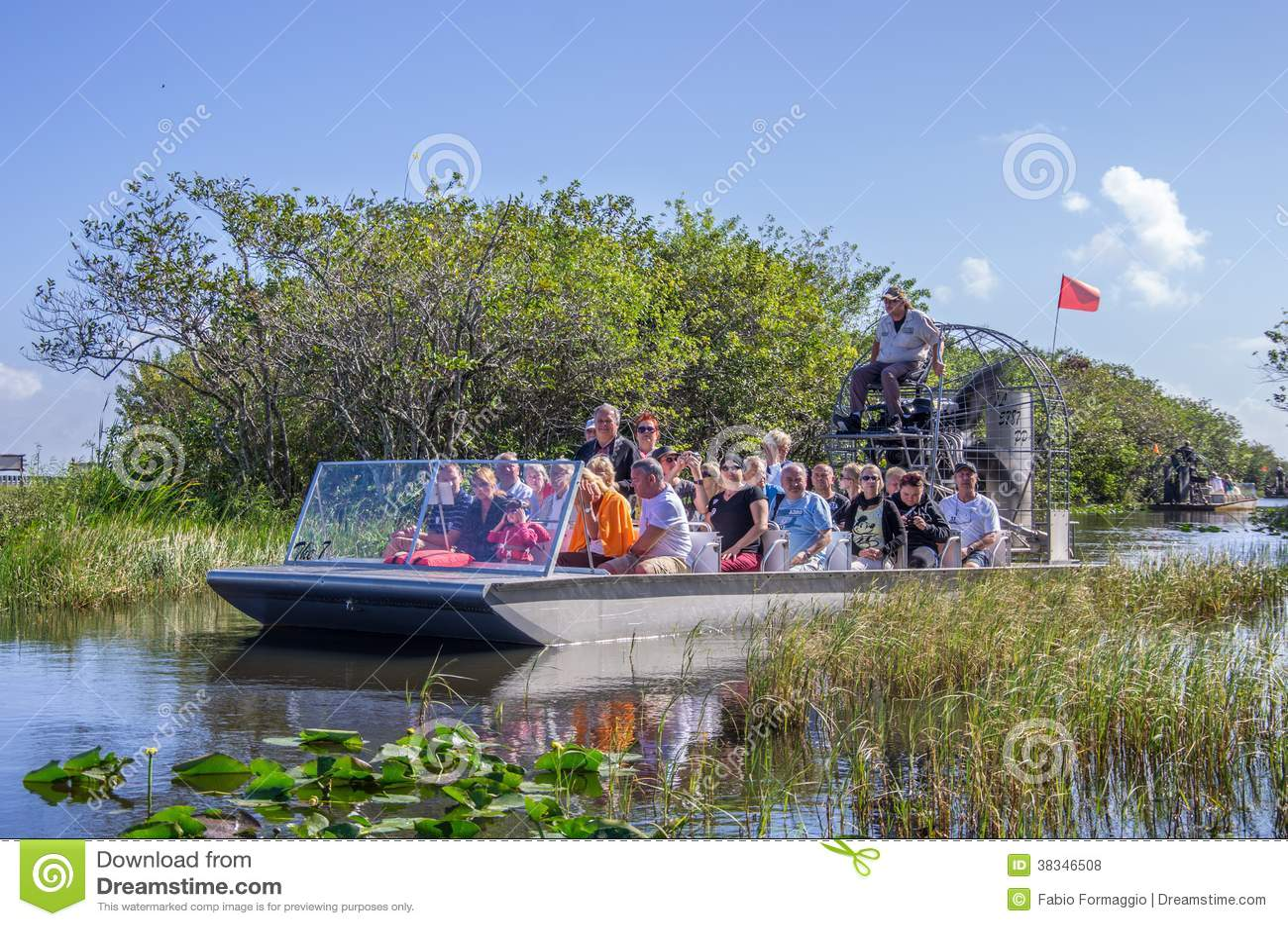 Turistas no airboat, marismas - Miami