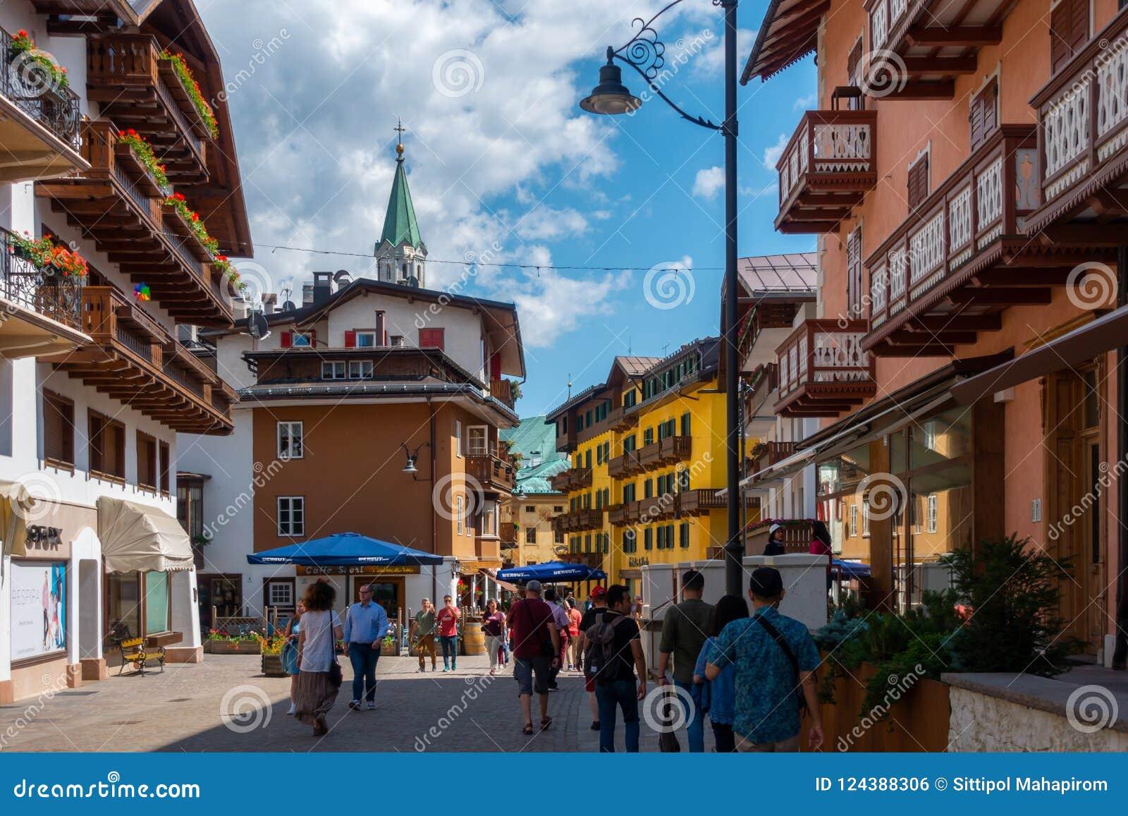Turisterna på i Cortinastaden