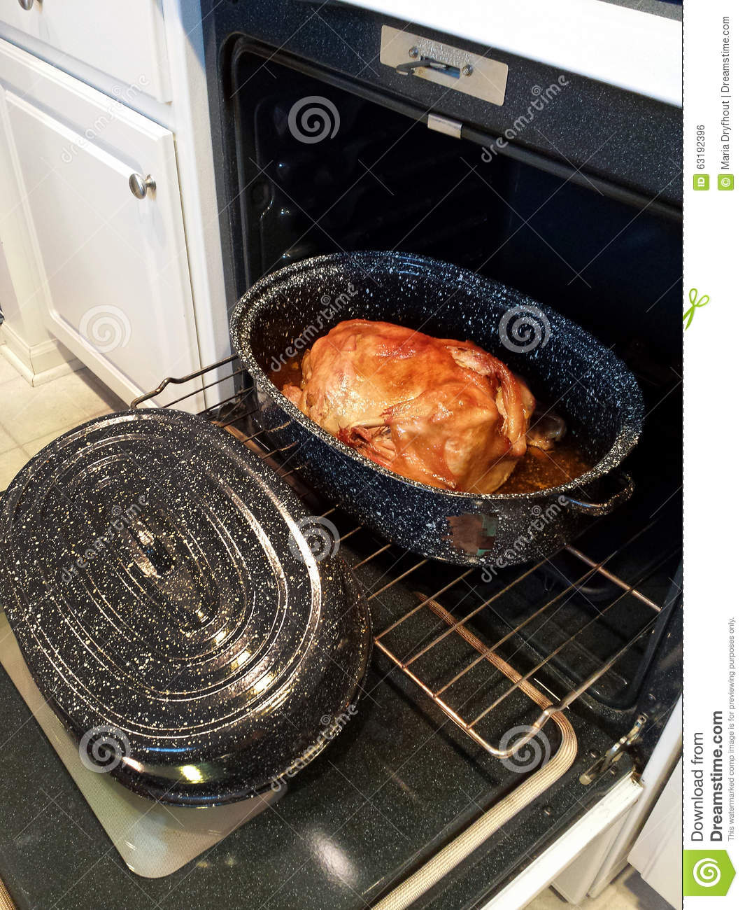 how to cook a turkey in a roasting pan