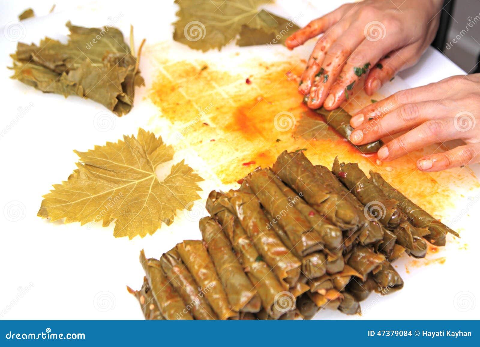 Turkish cuisine homemade sarma rice wrapped in grape - Ary abittan cuisine turque ...