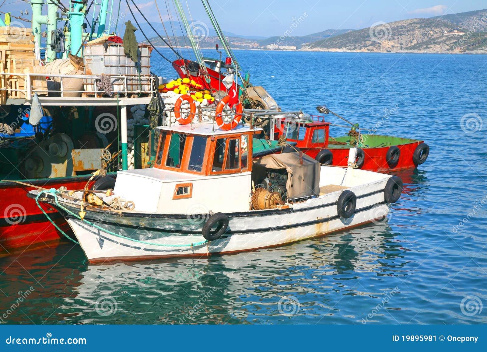 знаки рыболовного судна