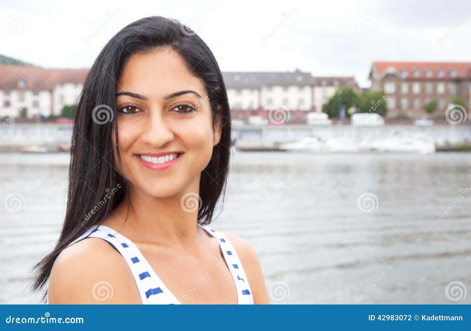 Turkisk kvinna på havet