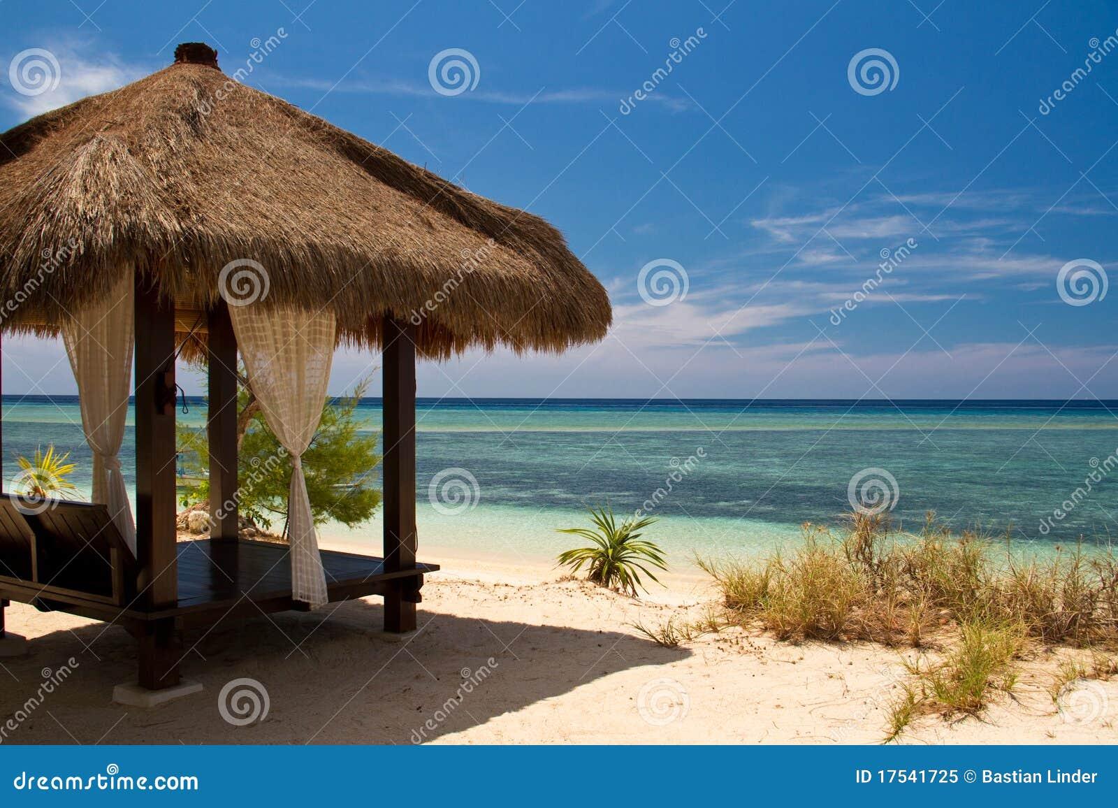 Turkos för hav för strandkojaö