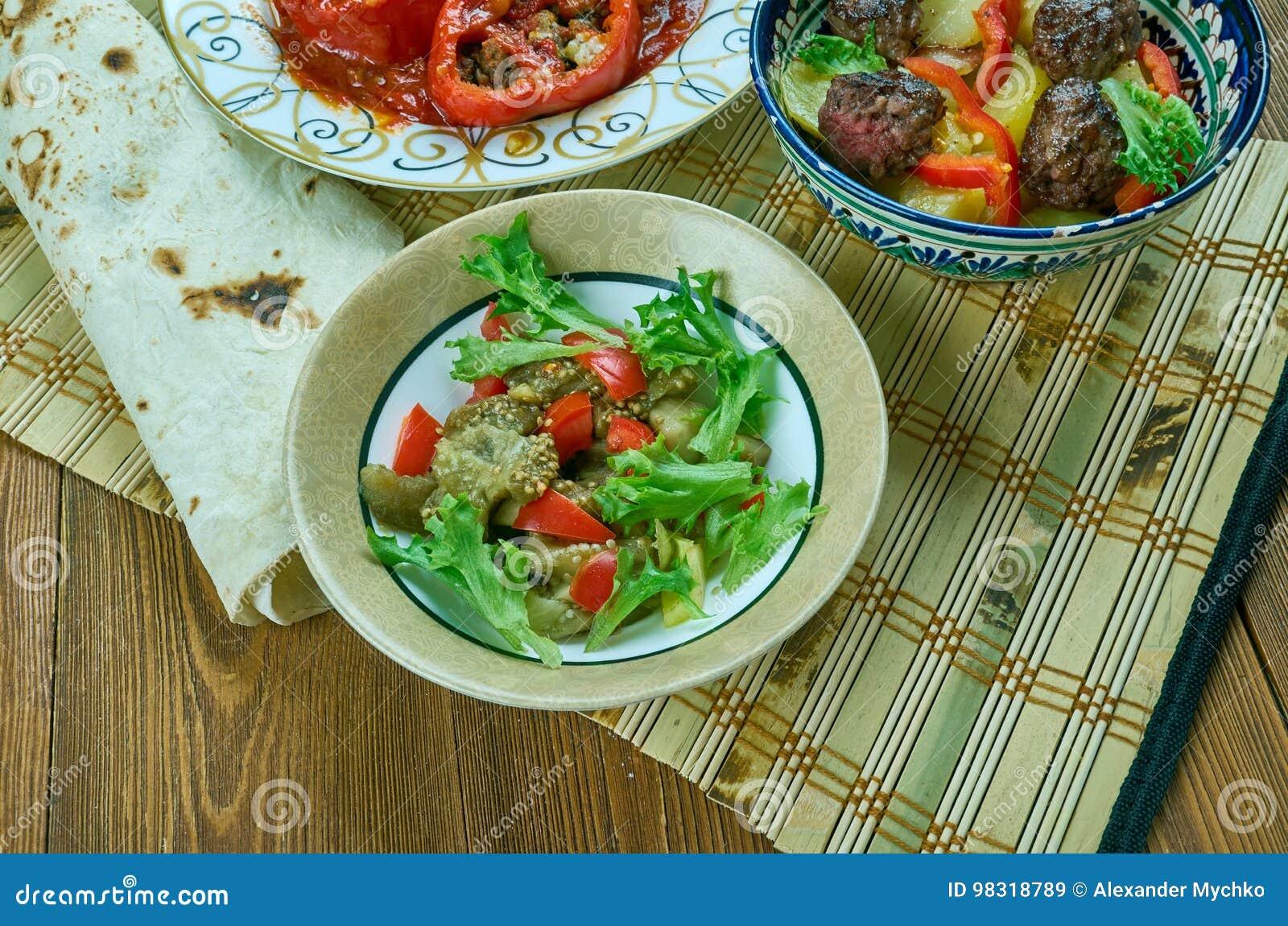 Turkse salade met aubergine
