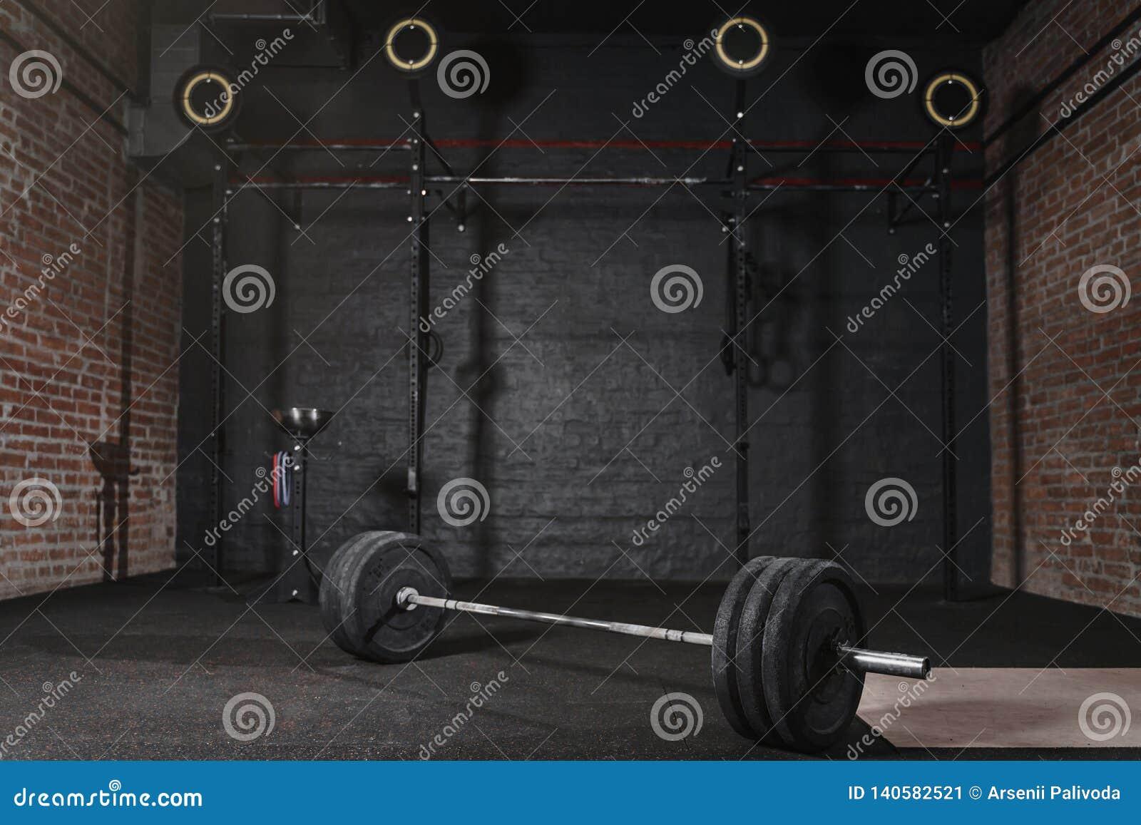 Turnhalle 0Workout mit querer geeigneter Ausrüstung Gymnastische Ringe der horizontalen Stangen des Barbell