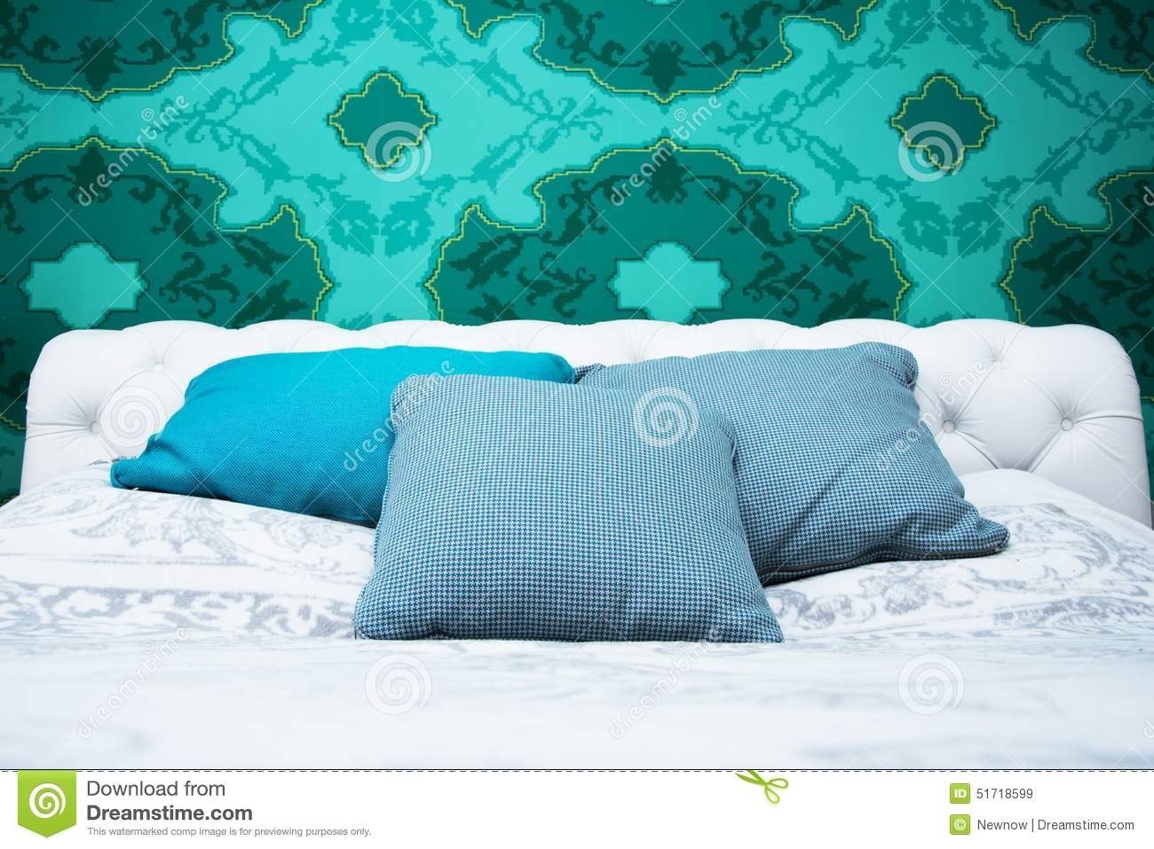 Bedroom Design With Colorful Wallpaper And Turquoise And White Color