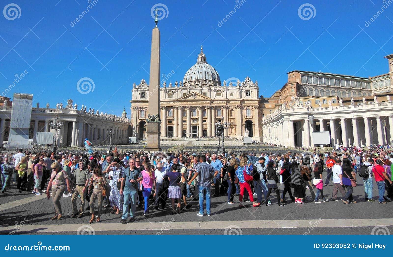 Turyści przy Watykan