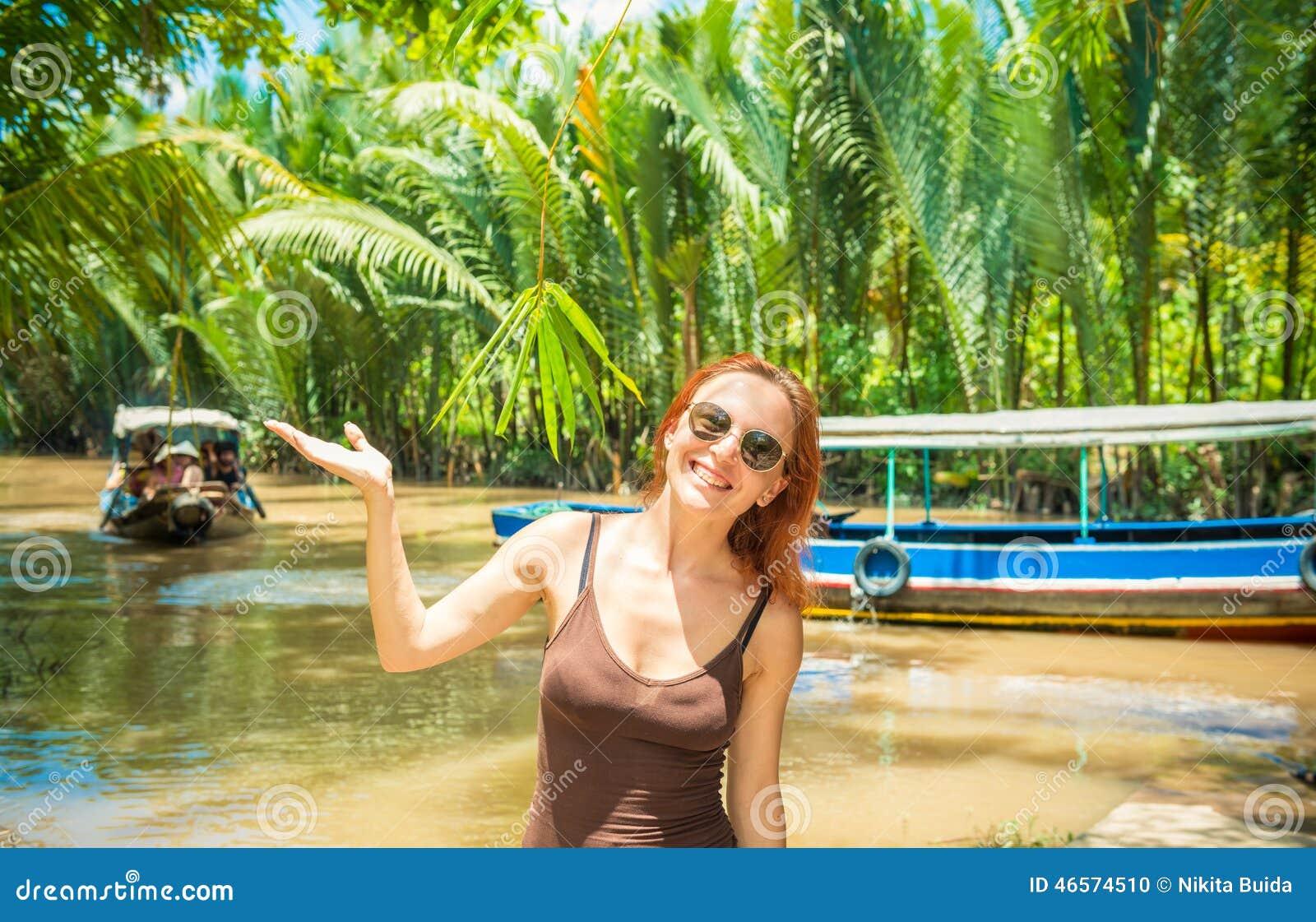 Turysta przy Mekong delty rejsem