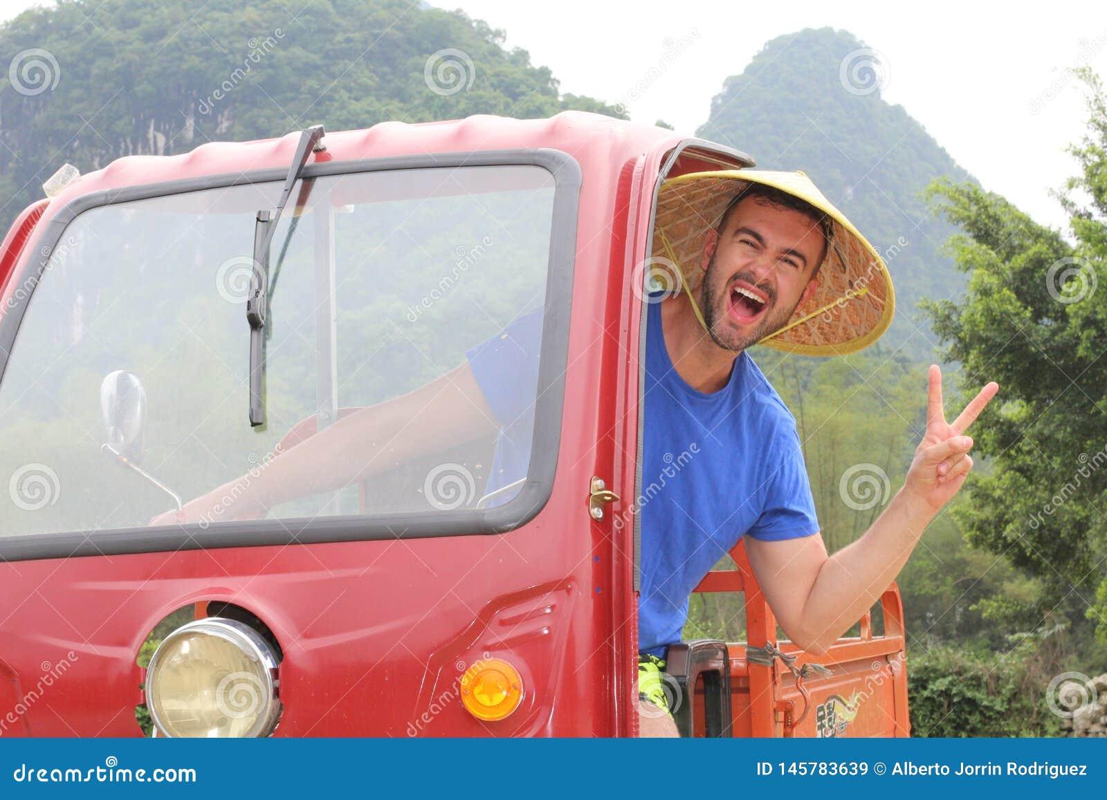 Turystyczny jeżdżenie tuk-tuk w Azja