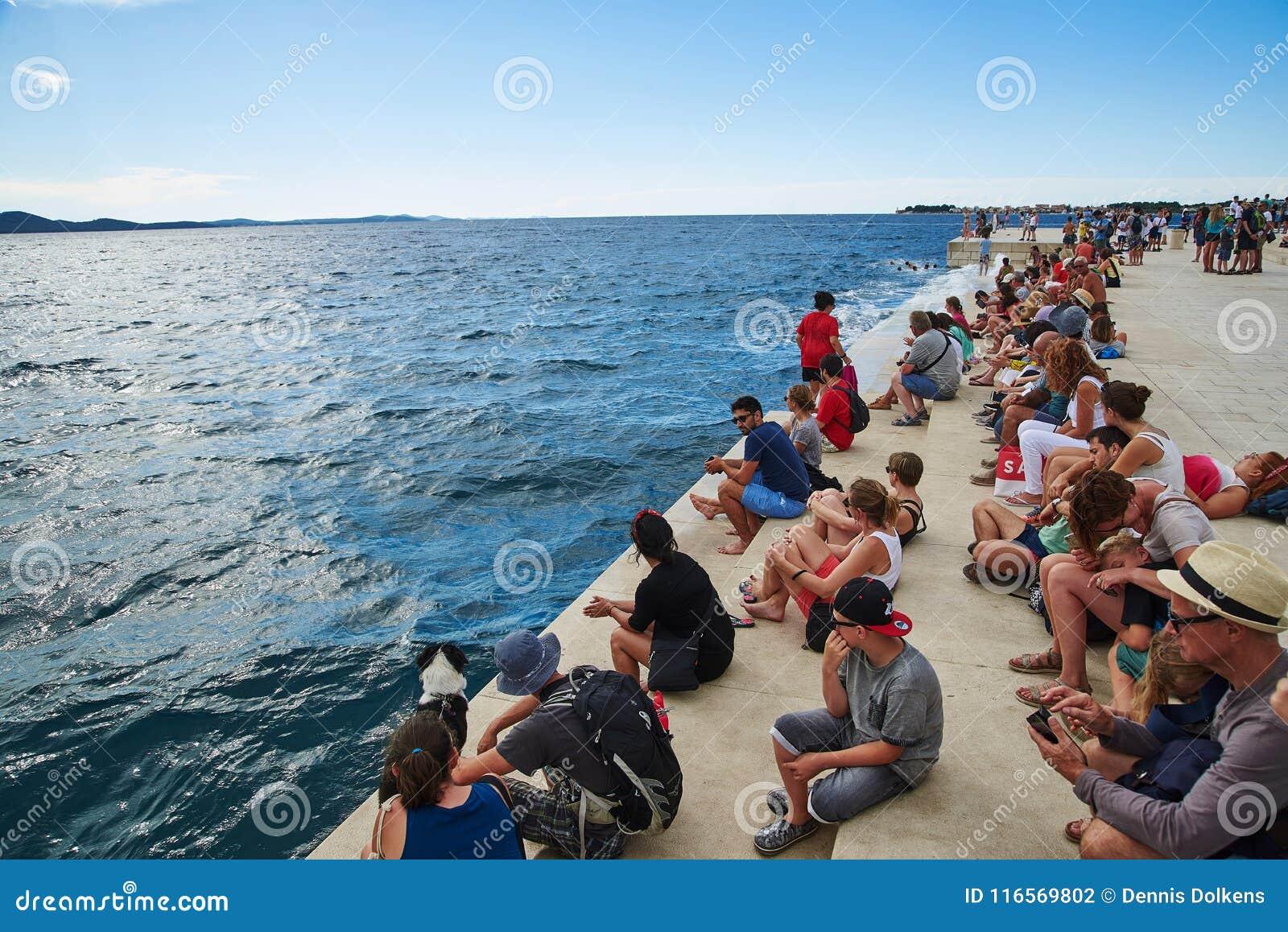 Turystyczny obsiadanie na Dennym organie, Zadar