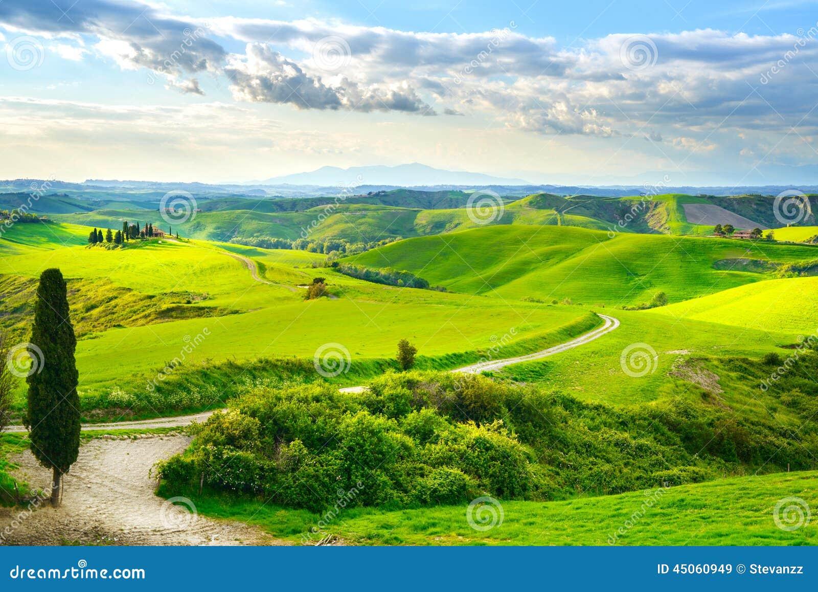 Tuscany, wiejski zmierzchu krajobraz