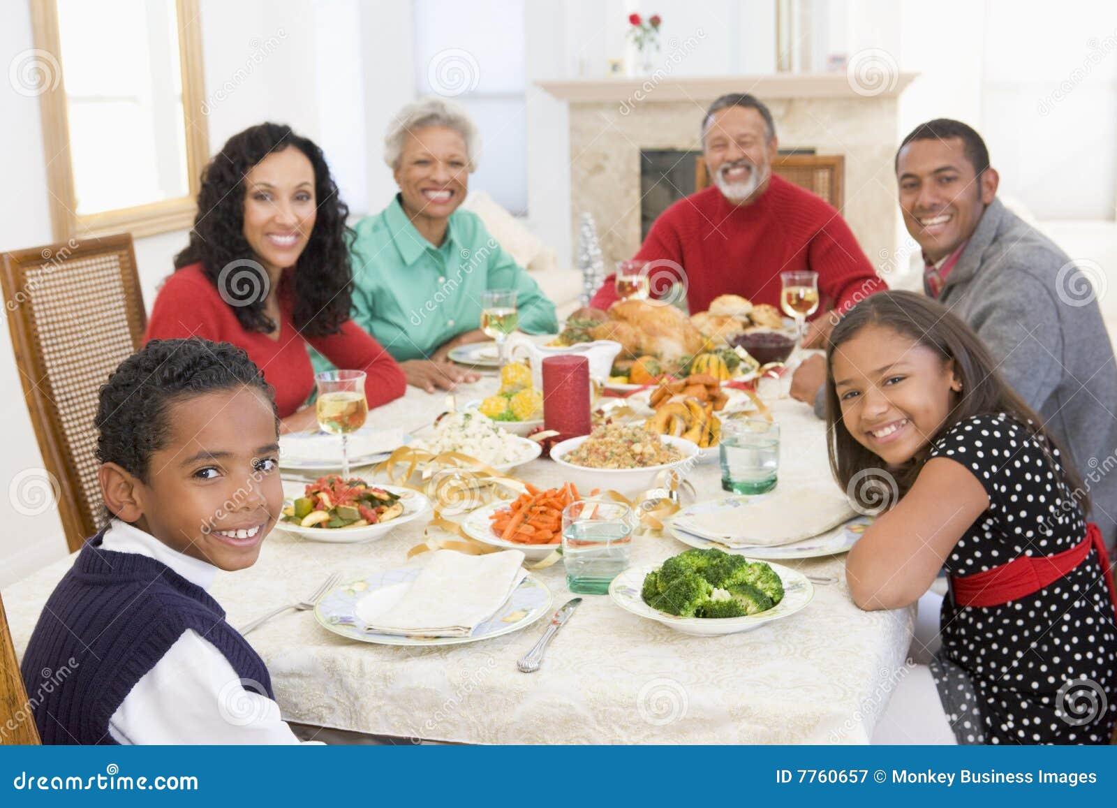 Tutta la famiglia del pranzo di natale insieme immagine stock immagine 7760657 - Pranzo immagini ...