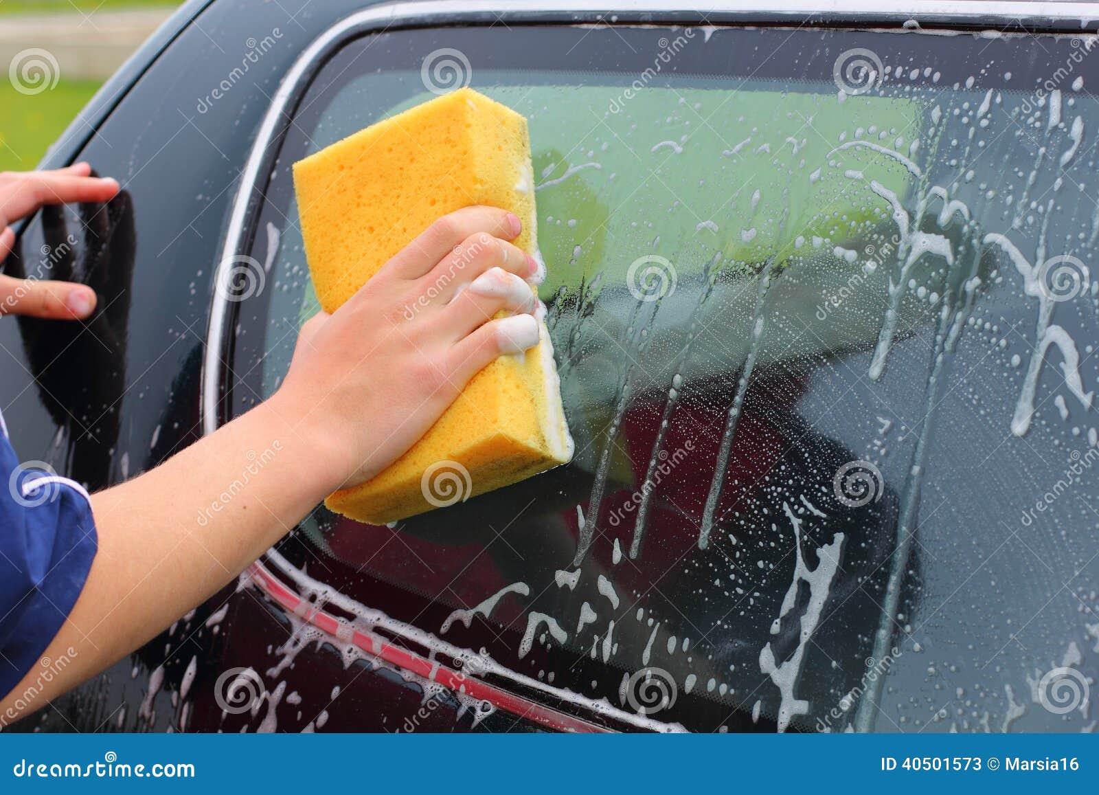 Tvättande bil