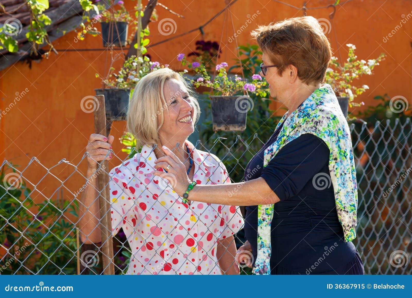 äldre damer bilder