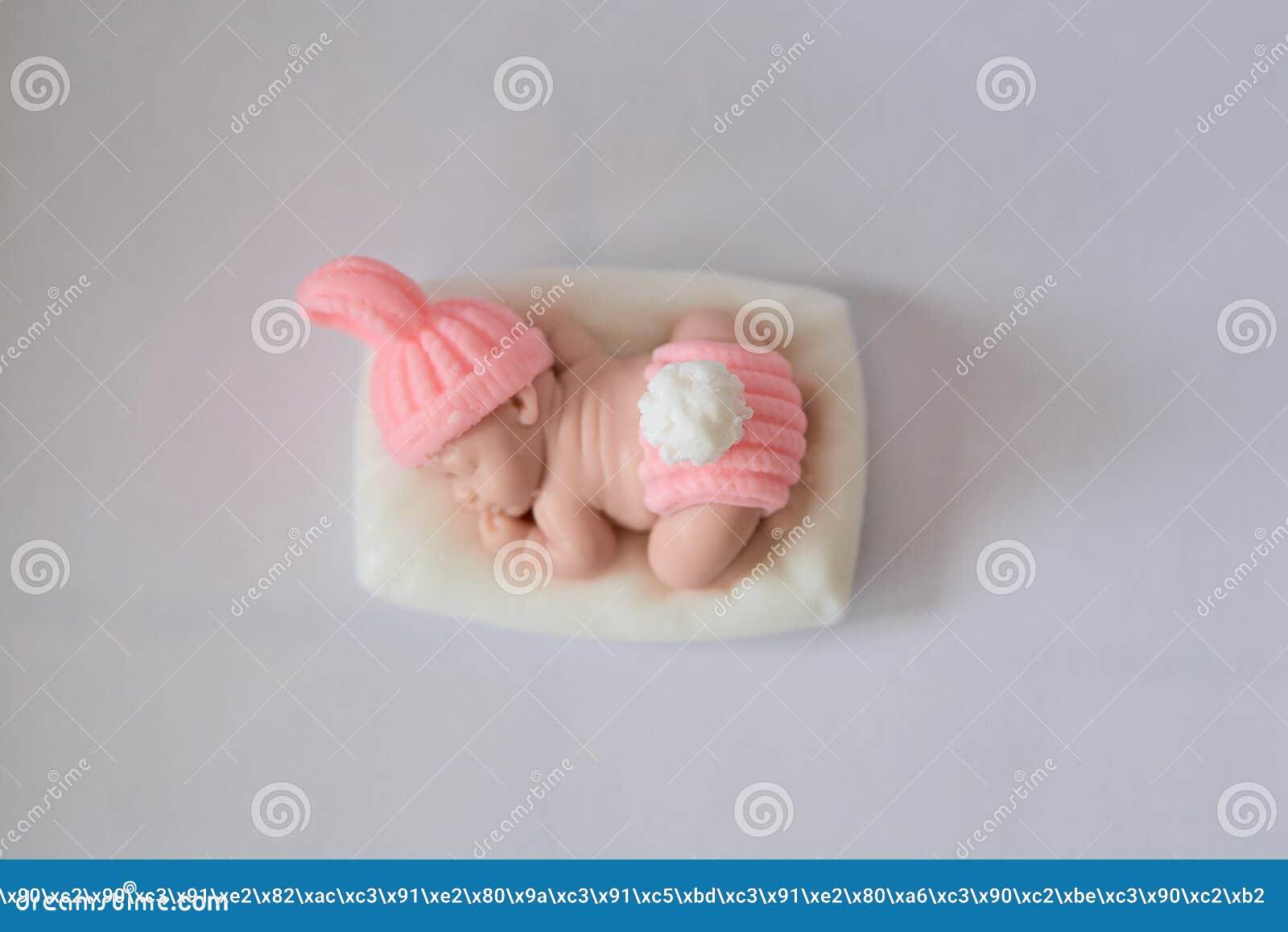 Tvålgåvan i form av ett nyfött behandla som ett barn flickan