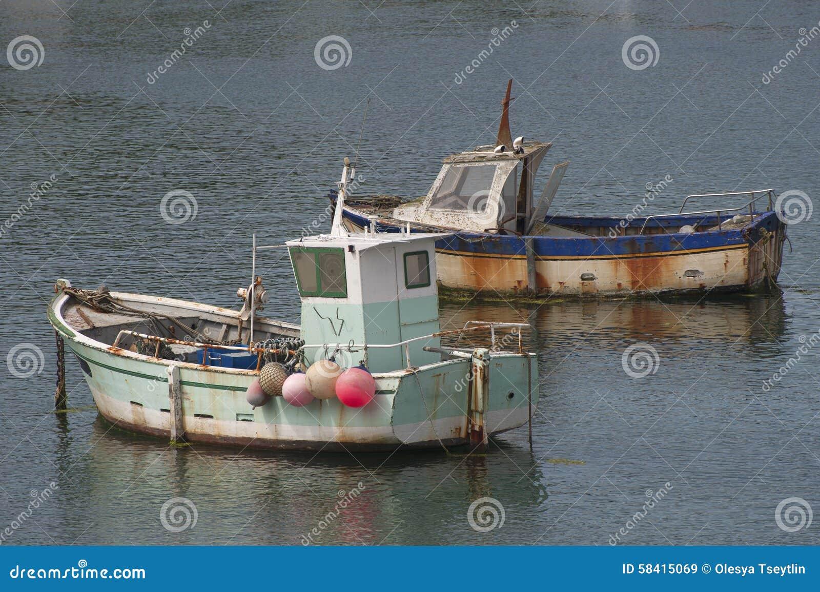 Tv gamla fiskeb tar in arkivfoto bild 58415069 - Hotel relais du vieux port le conquet ...