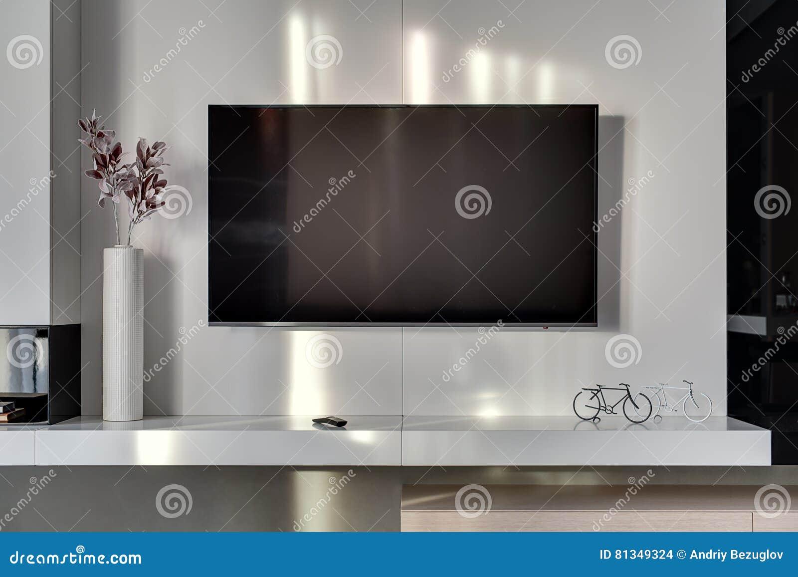 Tv Muur Decoratie.Tv Op De Muur Stock Foto Afbeelding Bestaande Uit Decoratie 81349324